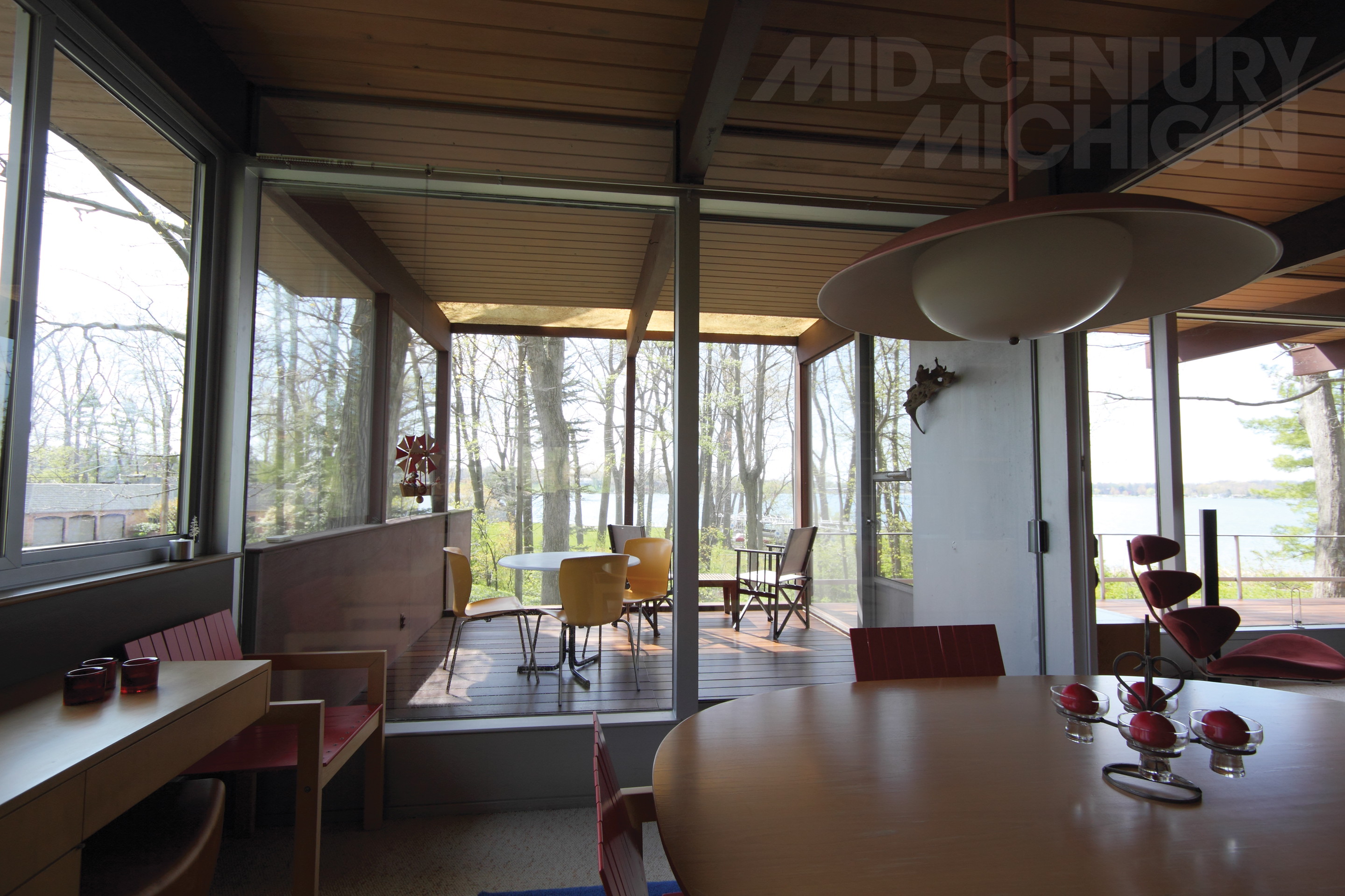 The United States of the Solar System, A.D. 2133 (Book Ten) - Page 32 Richard-neutra-list-house-porch1