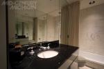 Gunnar Birkerts - Freeman House - Bathroom 02
